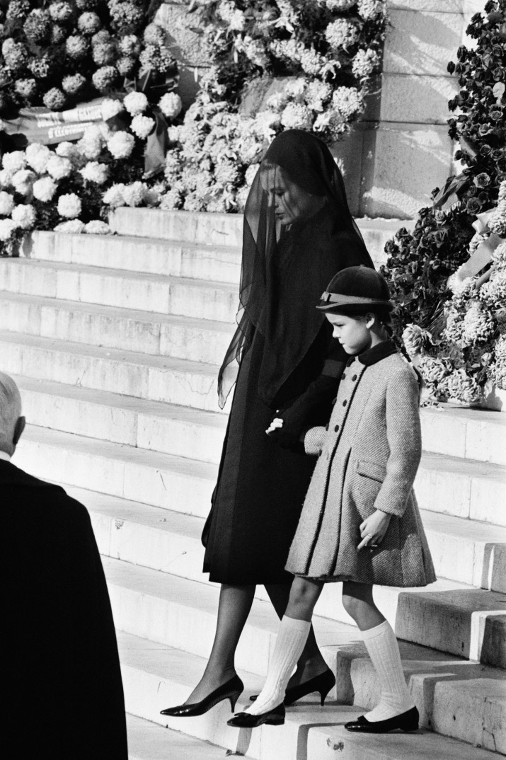 MONACO - NOVEMBER 17:  Princess Grace of Monaco and her daughter Caroline of Monaco at the funeral of Prince Pierre of Monaco in Monaco, November 17, 1964. (Photo by REPORTERS ASSOCIES/Gamma-Keystone via Getty Images)