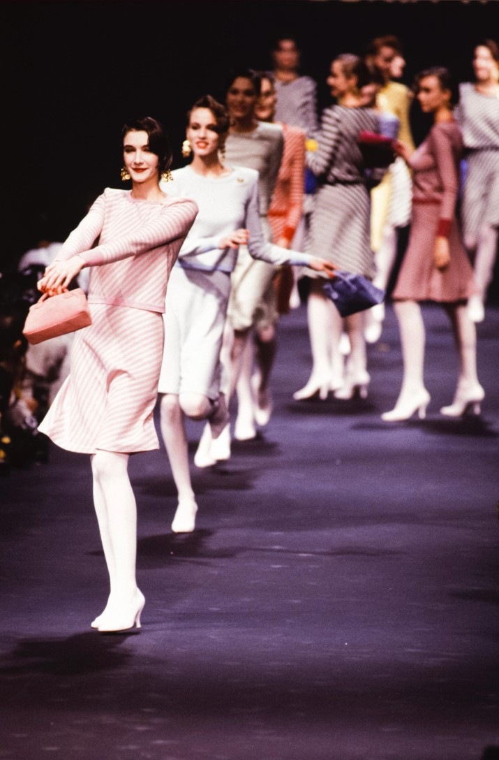 PARIS, FRANCE - OCTOBER: Models walk the runway at the Sonia Rykiel Ready to Wear Spring/Summer 1988-1989 fashion show during the Paris Fashion Week in October, 1988 in Paris, France. (Photo by Victor VIRGILE/Gamma-Rapho via Getty Images)