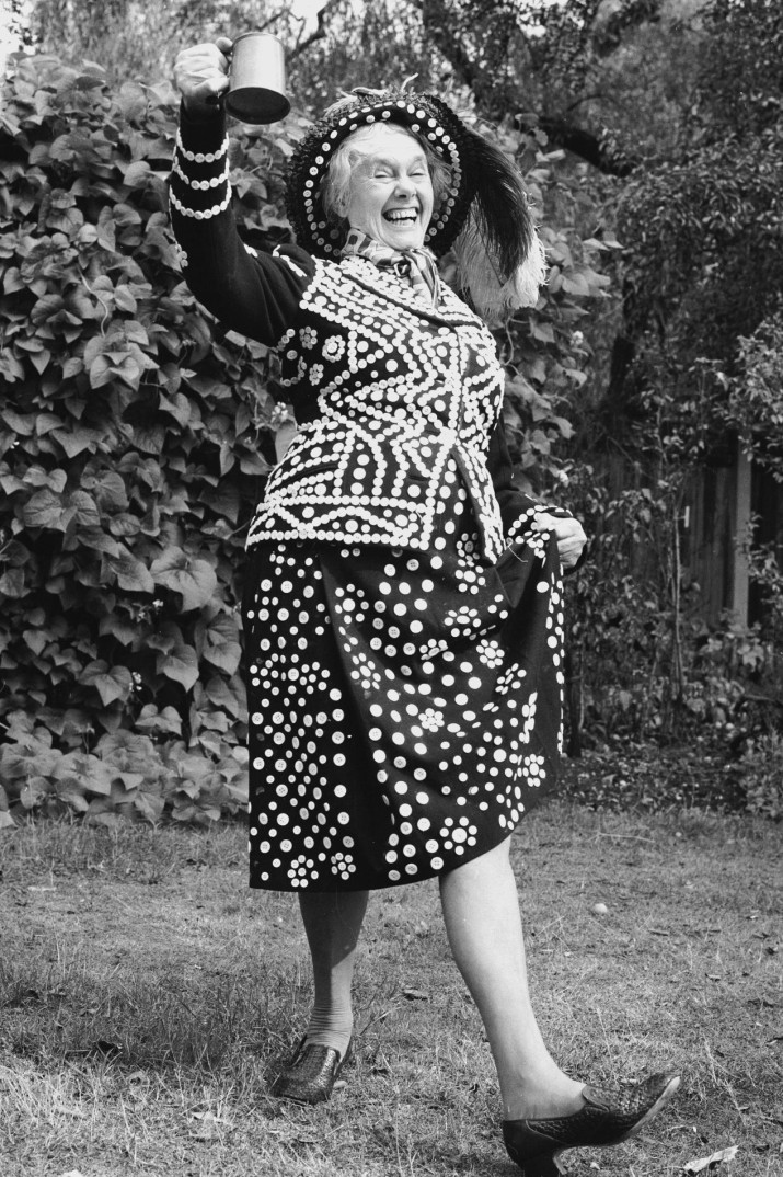 12th September 1976: A Pearly Queen enjoys a drink and a dance. (Photo by Chaloner Woods/Getty Images)